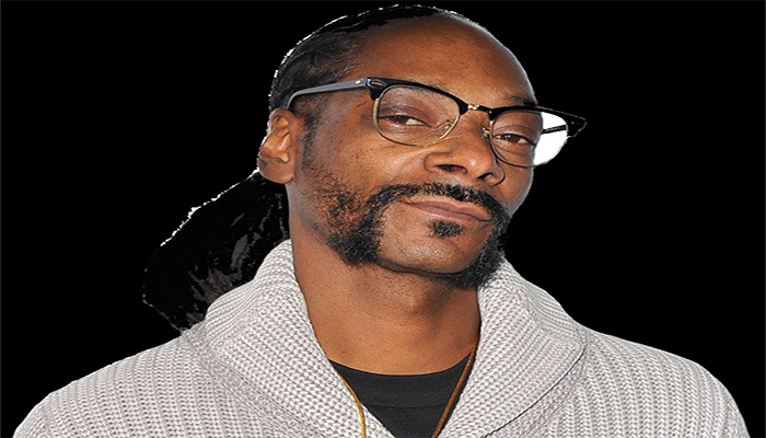Snoop Dogg Attacks Kanye West with 'All White' Photoshop Pic