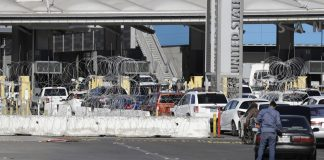 US shuts down busiest border crossing Mexico California